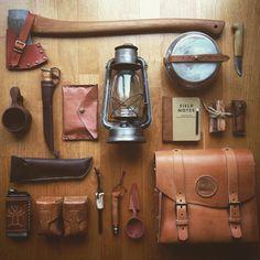 All unique… Size özel şeyler kullanın… #leather #leatherwork #leathercraft #axe…