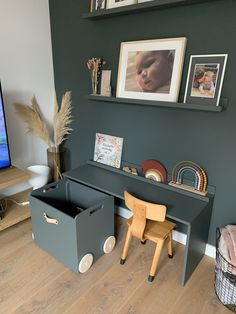 Desk In Living Room, Home And Living, Living Room Decor, Kids Play Corner, Kids Play Area, Boy Room, Kids Room, Small Playroom, Cute Desk