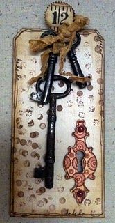 Vintage keys and keyhole tag