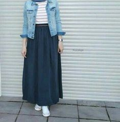 9 Meilleurs Styles Hijab Avec Jeans Pour Un Dressing Chic - Tesettür Jean Modelleri 2020 - Tesettür Modelleri ve Modası 2019 ve 2020 Hijab Chic, Hijab Casual, Ootd Hijab, Casual Jeans, Jeans Style, Casual Outfits, Modern Hijab Fashion, Street Hijab Fashion, Hijab Fashion Inspiration