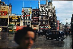 Piccadilly Circus in 1949 Vintage London, Old London, London Architecture, London History, Piccadilly Circus, Famous Landmarks, City Landscape, London Calling, Baker Street