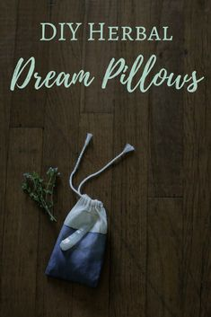 Herbal Gardening Ideas DIY Herbal Dream Pillows from The Lovely Wild and The Witch of Lupine Hollow - A guest post by Hailey Faust of The Lovely Wild with instructions on how to make your own DIY herbal dream pillows. Religion Wicca, Tarot, Mojo Bags, Wiccan Crafts, Wiccan Decor, Calendula Benefits, Mystique, Kitchen Witch, Book Of Shadows