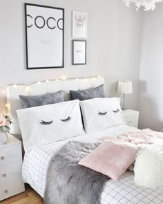 Teen bedroom themes must accommodate visual and function. Here are tips to create the coolest teen bedroom. Dream Rooms, Dream Bedroom, Master Bedroom, Rose Bedroom, Bedroom Themes, Bedroom Decor, Bedroom Images, Grey Room Decor, Bedroom Designs