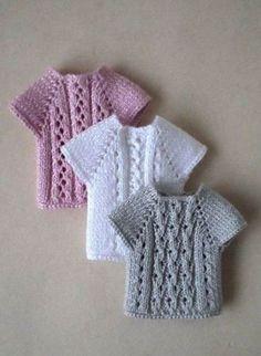 Crochet clothes barbie knitting patterns ideas for 2019 Barbie Knitting Patterns, Knitting Dolls Clothes, Barbie Clothes Patterns, Doll Dress Patterns, Shirt Patterns, Crochet Patterns, Sewing Patterns, Crochet Doll Dress, Crochet Barbie Clothes