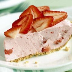 Weight Watchers Strawberry Pie Recipe (Serves 10) WWPP=0. This might be a nice Valentine's Day dessert with a little sugar free chocolate syrup drizzled over the top.