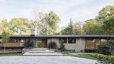 Una 'casa de la pradera' rehabilitada a lo #FrankLloydWright  Maxime Moreau v2com