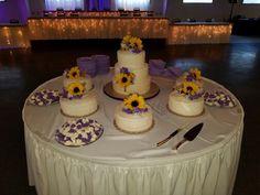 Miranda's Country Cream Wedding Cakes