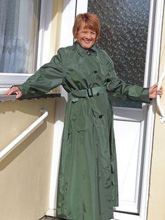 Mackintosh Raincoat, Rubber Raincoats, Rain Wear, Cape, Satin, Texture, How To Wear, Cotton, Jackets
