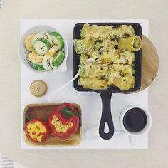 . good morning monday :-目))) . #goodmorning #morning #breakfast #yummy #goodfood #instafood #onthetable  #homemade #foodie #foodstagram #igfood #foodphotography #foodphoto #yum #2eat2gether #S_S_iloveBreakfast #朝食 #早餐 #goodmorning #早安 #おはようございます #baking #烘培 #蘑菇白醬花菜瑞他可擠水管麵 #connelloni #パスタ #pasta #s_s_ilovebaking