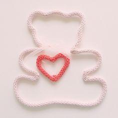 ~ Nounours ~ #detail#nounours#tricotin#rosepale#pailleté#coeur#corail#commandepersonnalisée#cadeaudenaissance#cadeaufille#decobebe#decorationdinterieur#decochambredebebe#decochambredenfant#faitmain#knitforkids#knitagram#knit#knitting#instaknit#instaknitting#handmade#babygift#madewithlove#madeinlyon#madeinfrance#lesptitsbonheursdemani