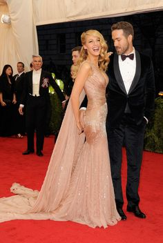 Blake Lively and Ryan Reynolds - Met Gala 2014 Blake Lively Ryan Reynolds, Blake And Ryan, Ryan Reynolds Wife, Celebrity Couples, Celebrity Style, Beautiful Dresses, Nice Dresses, Gorgeous Dress, Vestidos Fashion