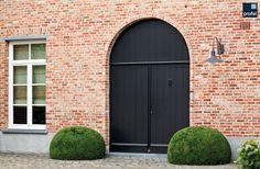 Dubbele klassieke voordeur in hout, Profel #deur #voordeur #hout #wonen #profel Entrance Doors, Garage Doors, Shade Sail Installation, Guest Room Decor, Playroom Design, Front Door Colors, House Doctor, Rustic Elegance, House Front