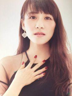 Essential Oil Perfume, Essential Oils, Perfume Jpop, Japanese Girl Group, Beautiful, Girls, Photography, Singers, Little Girls