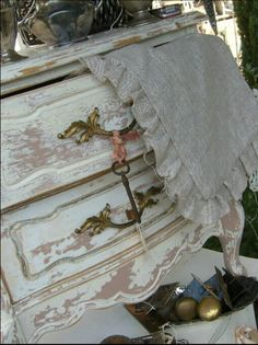 Furniture rehab shabby chic with Annie Sloan paint possibly- or better yet MMS milk paint! Distressed Furniture, Recycled Furniture, Shabby Chic Furniture, Painted Furniture, Diy Furniture, Bedroom Furniture, Romantic Cottage, Shabby Chic Cottage, Vintage Shabby Chic