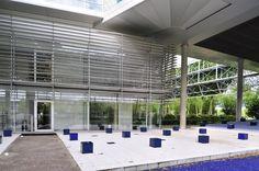 Martha Schwartz - Swiss Re Headquarters Munich Landscape - 2001