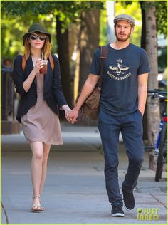 Emma Stone and Andrew Garfield. Love what Emma is wearing! elegant and chic