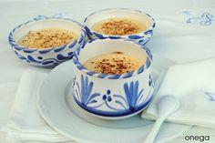 Natillas de vainilla light (Dieta Dukan) NGREDIENTES:  · 500 ml. de leche desnatada  · 3 yemas de huevo  · 2 cucharadas soperas de edulcorante líquido (o al gusto)  · 1 cucharada sopera de harina de maíz (Maizena) 10 gr. aprox.  · cáscara de limón y palo de canela  · unas gotas de extracto de vainilla
