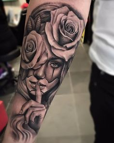"""""""Lamper Edgar > Tattoo roses and Chicano girl Chicano Tattoos Sleeve, Arm Sleeve Tattoos, Girls With Sleeve Tattoos, Forearm Tattoo Men, Leg Tattoos, Body Art Tattoos, Girl Tattoos, Tattoos For Guys, Chicano Tattoos Gangsters"""