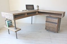 Upcycled pallet l shaped desk with scaffold poles
