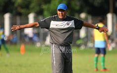 Coach RD: PSSI Belum Kontak Klub Saya - http://www.gemaberita.com/coach-rd-pssi-belum-kontak-klub-saya.html