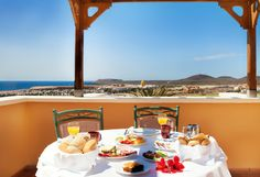 imagine having breakfast with this view in front of you.