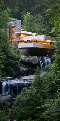 MY DREAM HOUSE-Fallingwater house - Frank Lloyd Wright You can actually open a piece of the floor in this house and stick your toes in the swiftly moving water OR put your fishing pole in there! Amazing concept--tucked in in a forest in western PA. Architecture Design, Beautiful Architecture, Falling Water Frank Lloyd Wright, Falling Water House, Falling Waters, Beautiful Homes, Beautiful Places, House Beautiful, House Goals