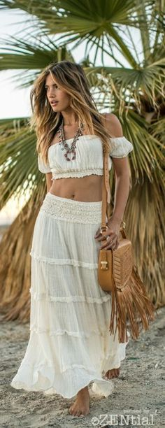 boho, feathers + gypsy spirit. Hippie bohemian chic in lovely white, stylish outfit. For more follow www.pinterest.com/ninayay and stay positively #pinspired #pinspire @ninayay