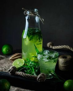 Take A Look At These Fantastic Juicing Tips – Fruity Freshy Juicy Healthy Juice Recipes, Healthy Juices, Fruit Drinks, Yummy Drinks, Dark Food Photography, Fruit And Veg, Food Styling, Food Art, Food Inspiration