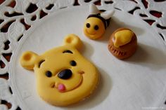 Pooh fondant faces
