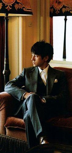 Japanese actor: Hidetoshi Nishijima (西島 秀俊)