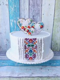 """Folk Cake by Kmeci Cakes but bigger with a """"peak"""" of mex Gorgeous Cakes, Pretty Cakes, Amazing Cakes, Cupcakes, Cupcake Cakes, Wedding Cake Designs, Wedding Cakes, Cake Decorating Techniques, Novelty Cakes"""