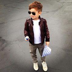 alonso mateo haircut for boys + outfit. Little Boy Fashion, Baby Boy Fashion, Fashion Kids, Toddler Fashion, Fashion Clothes, Jackets Fashion, Fashion 2016, Spring Fashion, Fashion Accessories