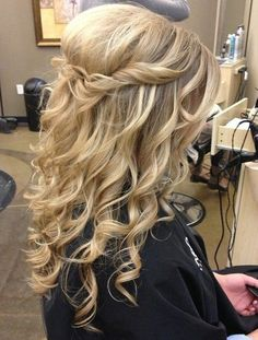Bouffant Twist with Tight Curls