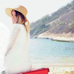 Eu aprendi que todos querem viver no topo da montanha, mas a felicidade e o crescimento ocorre quando você está escalando-a! 🌷💎 #oseu #sorriso #valemais #queum #diamante #happyday #style #fotografia #outfit #istagood #fashion #beach #summer #mar #sol #verão #Rj