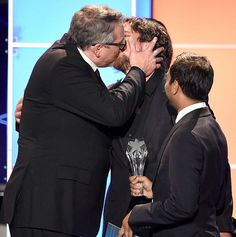 Christian Bale could not stop kissing men at Critics' Choice Awards (VIDEO)