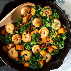 """""""Sweet potato, Kale and Shrimp Skillet Prep time10 minsCook time20 mins Total time30 mins #Ingredients 2 tbsp olive oil ½ cup onion, diced Red pepper…"""""""