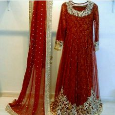 Indian Bridal Lehenga, Indian Bridal Outfits, Pakistani Bridal Dresses, Pakistani Dress Design, Indian Designer Outfits, Pakistani Outfits, Designer Dresses, Wedding Lehnga, Bridal Mehndi