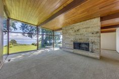 Beachfront midcentury home with gorgeous views asks $1.2M - Curbed