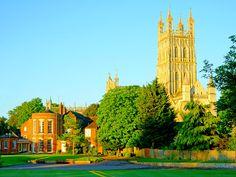 Notre Dame, The Unit, Mansions, House Styles, Building, Travel, Home, Decor, Viajes