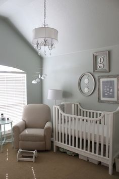 """""""Gender Neutral"""" Nurseries ~ Pretty Little Snippets  I love the monogram in the frame."""
