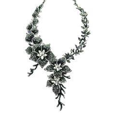 ca9fbfca5 Rodinovaný, kryštálový náhrdelník tvorený kvetmi v čiernej, hematitovej a  bielej farbe / Black, hematite and clear crystal flower necklace in gun  metal.