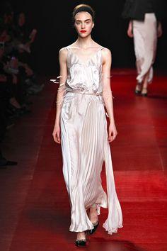 Nina Ricci - Paris Fashion Week - Aisle Style Inspiration Autumn/Winter 2013-14
