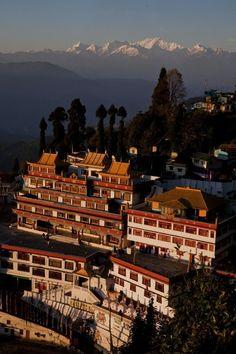 Monastery at Ghoom, Darjeeling, India. Beautiful Sites, Beautiful World, Beautiful Places, Amazing Places, Taj Mahal, Amazing India, India Culture, Indian Architecture, Darjeeling