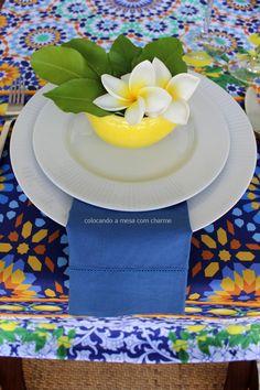 Uma mesa de almoço com limão siciliano | Colocando a mesa com charme | Juliana Curi Design | table setting | lemon