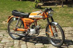Flandria SP247, Flandria-cyclos sport, monocylindre deux temps, refroidissement par air, graissage par mélange, freins à tambour- guidon bra...