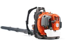 Husqvarna 560BTS is a powerful commercial backpack blower designed for demanding tasks. Large air flow and high air speed are provided by an efficient fan design together with the powerful X-Torq® engine. Commercial grade air filter gives long operating time and trouble free use. The harness has wide shoulder straps. Frame mounted throttle.