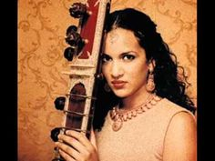 The amazing and beautiful Norah Jones and her talented and beautiful sister Anoushka Shankar -Easy   (I love when these two perform together, heavenly music!)- Armelle