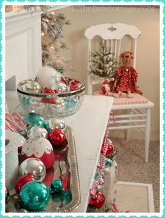 Red, White and Turquoise Ornament Decor