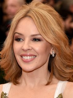 kylie minogue regal met ball 2014 04 Kylie Minogue is smashing in a Marchesa dress while hitting the red carpet at the 2014 Met Gala held at the Metropolitan Museum of Art on Monday (May in New York… Melbourne, 2015 Hairstyles, Celebrity Hairstyles, Kylie Minogue, Marchesa Gowns, Hair Styles 2014, Victoria, Star Wars, Hey Girl