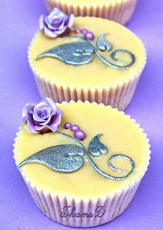 Wedding Cupcakes, via Flickr.